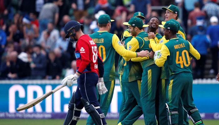 ইংল্যান্ডকে দ্বিতীয় টি২০ ম্যাচে তিন রানে হারাল দক্ষিণ আফ্রিকা
