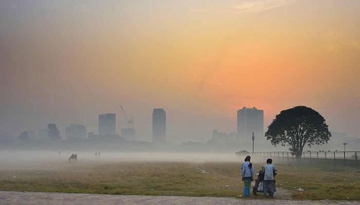 বৃষ্টির আশঙ্কার মধ্যেই বাড়ল কলকাতার তাপমাত্রা