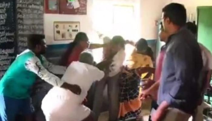 স্কুলে আপত্তিকর অবস্থায় শিক্ষক ও অঙ্গনওয়াড়ি কর্মী, গণপিটুনি দিল গ্রামবাসী