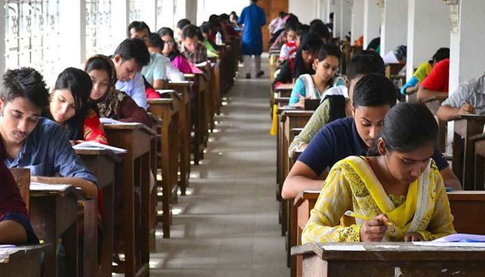 বিশ্ববিদ্যালয়-সহ শিক্ষা প্রতিষ্ঠানগুলিকে পরীক্ষা নেওয়ার অনুমতি দিল কেন্দ্র
