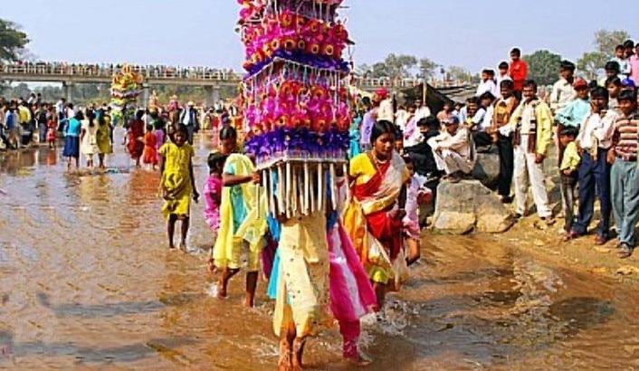 জঙ্গলমহলে ঢোল-ধামসার ছন্দে বর্ণময় টুসু