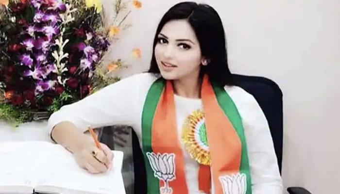 BJP নেত্রী পামেলা গোস্বামীকে সঙ্গে নিয়েই নিউ টাউনে তাঁর সালোঁয় হাজির পুলিস
