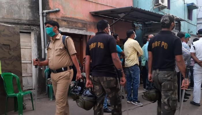 কোকেনকাণ্ডে BJP নেতা রাকেশ সিং-র বাড়িতে পুলিস, তদন্তকারীদের 'আটকাল' ছেলে
