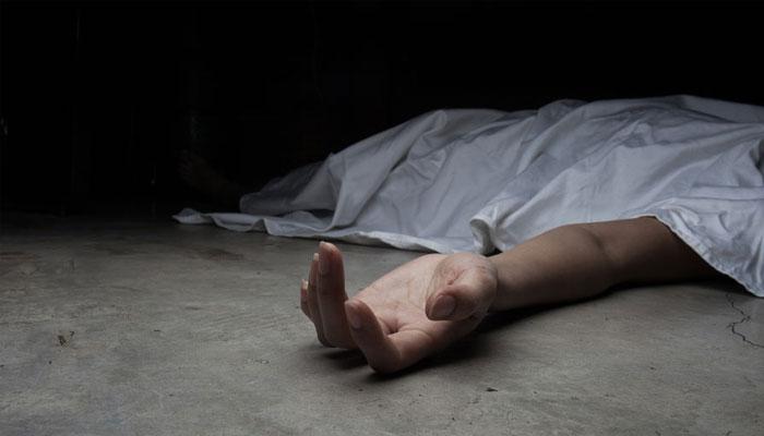 রেললাইনে যুবকের মৃতদেহ উদ্ধার, বিবাহ বহির্ভূত সম্পর্কের অভিযোগ পরিবারের