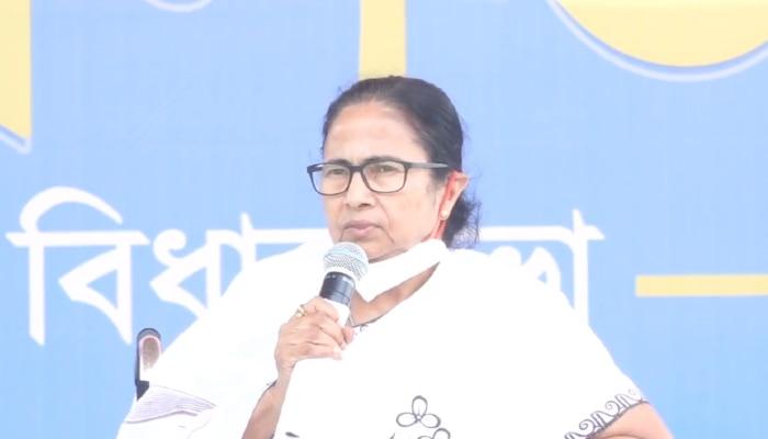 West Bengal Election 2021: লকেটকে নিয়ে নতুন করে কী বলব! ও তো সারদাদের গলার লকেট: Mamata
