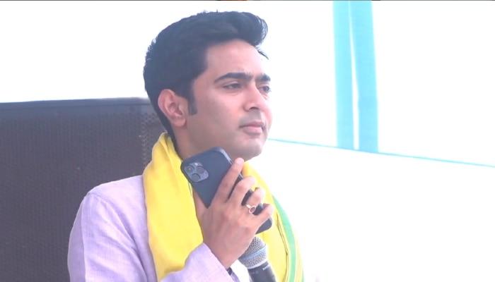 West Bengal Election 2021: বহিরাগতশক্তির কাছে মাথা নত করেননি, বাঙালি হওয়ার অপরাধে শীতলকুচিতে খুন: Abhishek