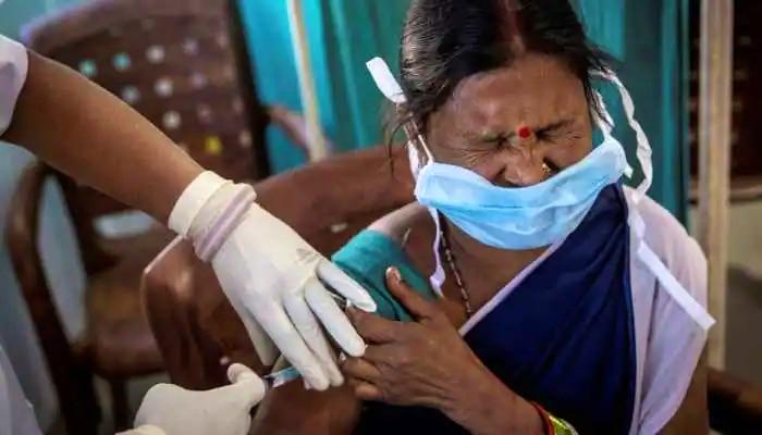 'দ্বিতীয় ডোজের Vaccination অগ্রাধিকার', রাজ্যগুলিকে নির্দেশ কেন্দ্রের