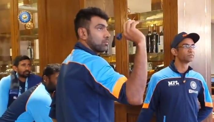 IND VS NZ WTC21 Final: বৃষ্টিতে ক্রিকেট বন্ধ, অন্য খেলায় মাতলেন Ashwin-Wriddhiman