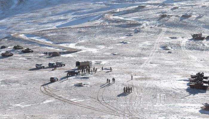 LAC-তে বাড়ছে উত্তাপ, সীমান্তের ওপারে বায়ুসেনা ঘাঁটিতে শক্তি বাড়াছে লাল ফৌজ