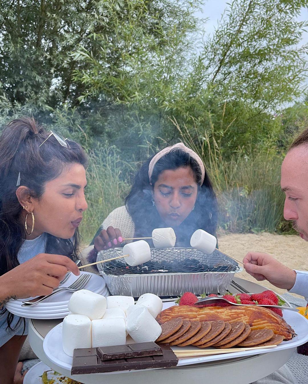Priyanka busy in picnic & Fun