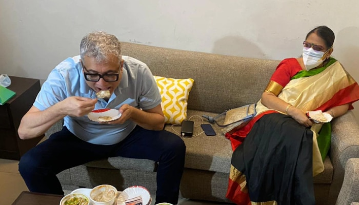Modi-র আক্রমণে পাল্টা Derek, দিল্লিতে কাকলির সঙ্গে খেলেন 'পাপড়ি চাট'