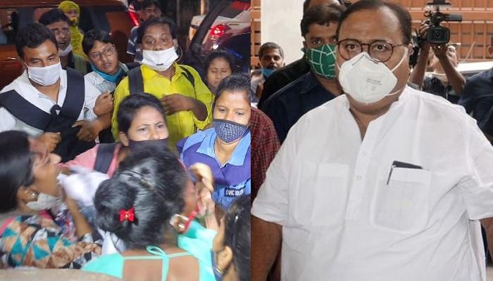 SSC: কথা দিয়েছিলেন শিক্ষামন্ত্রী, রাতে পার্থর বাড়ির সামনে বিক্ষোভ চাকরিপ্রার্থীদের