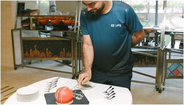 Rashid Khan birthday cake