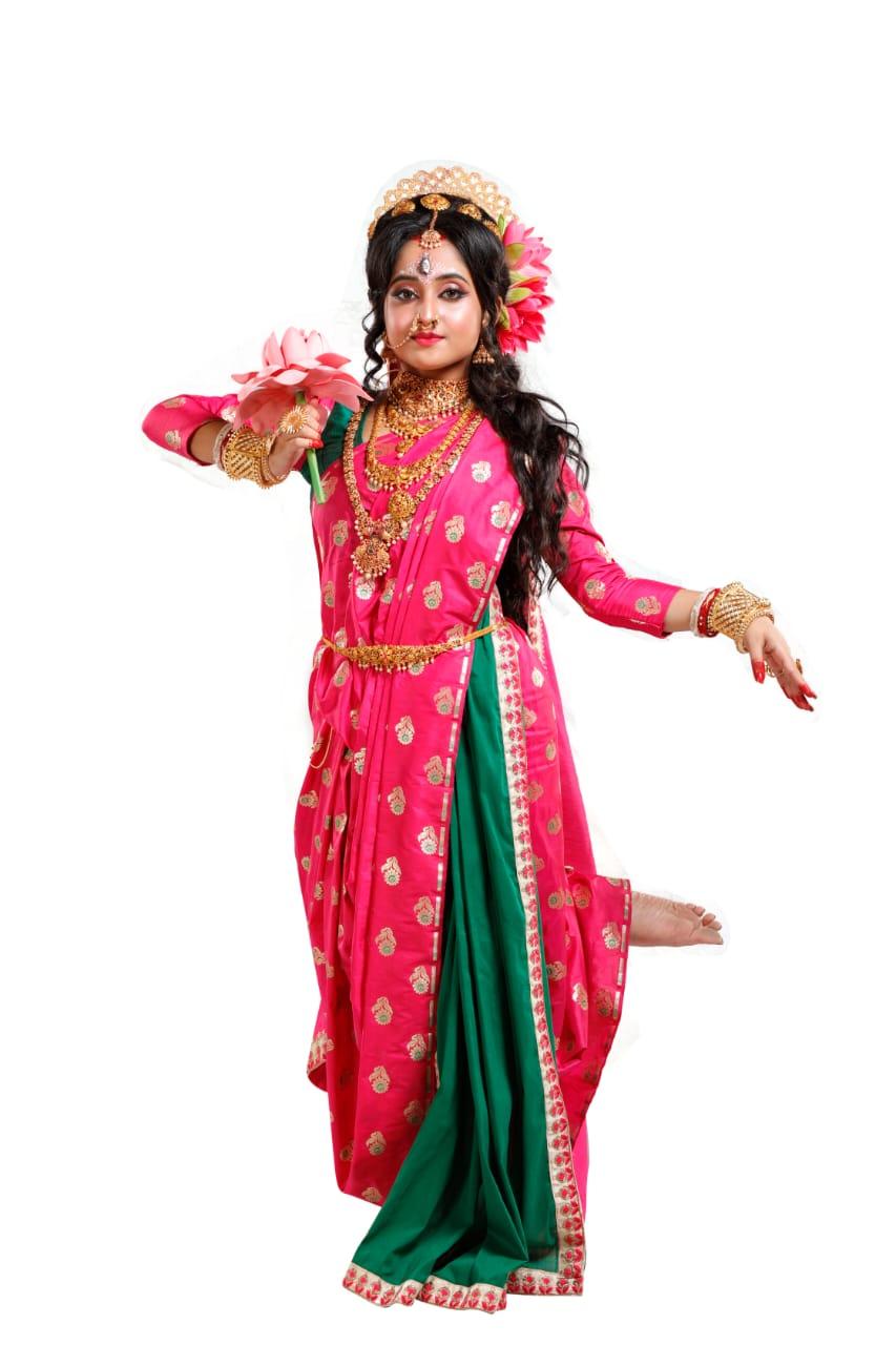 Komole Kamini Soumitrisha