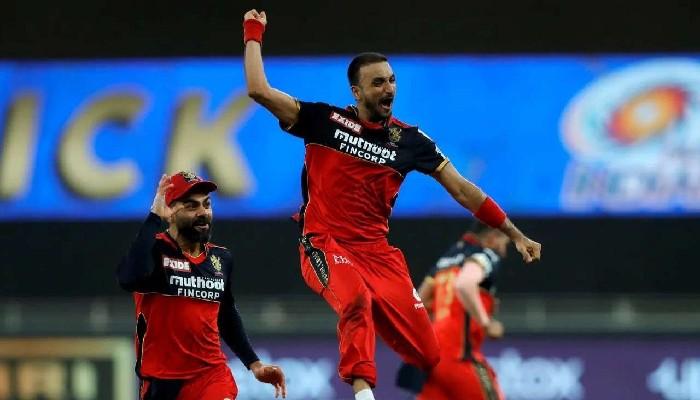 IPL 2021: 'হ্যাটট্র্রিক হিরো' Harshal Patel-এর অনন্য নজির, প্রশংসা করলেন Virat Kohli