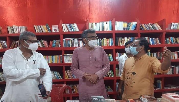 State secretary of CPI(M) in Jadavpur book stall