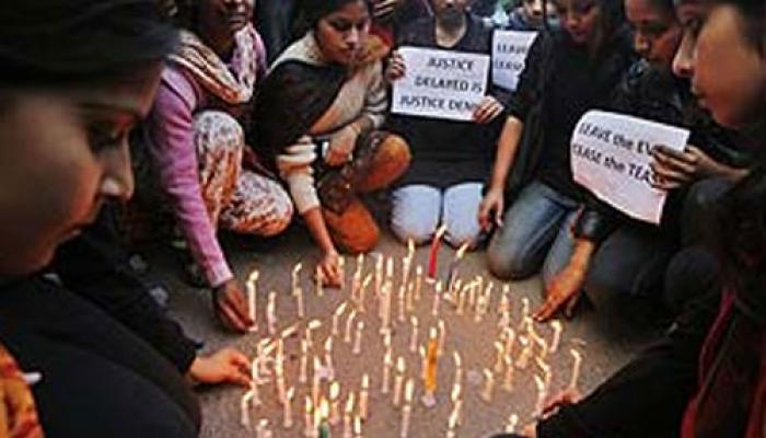 লখনউ গণধর্ষণ ও হত্যাকাণ্ড: তীব্র সমালোচনার জেরে তদন্ত কমিটি গঠন করল সরকার