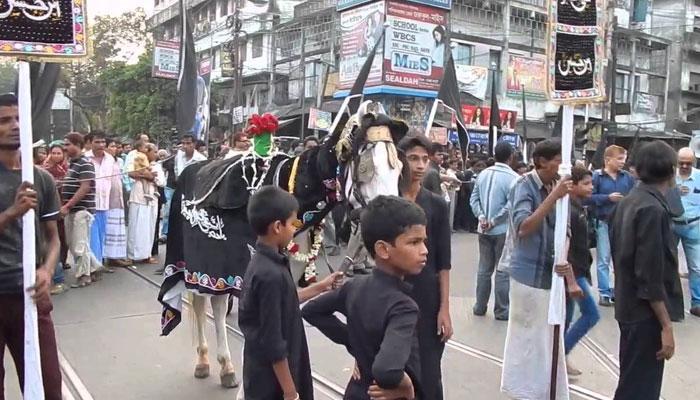 আজ মহরম, শহরের রাজপথে তাজিয়া নিয়ে শোভাযাত্রা, চলছে লাঠি খেলাও