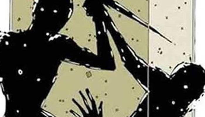 নদিয়ায় তৃণমূল পঞ্চায়েত সদস্যের স্বামীকে কুপিয়ে খুনের চেষ্টা করল দুষ্কৃতীরা
