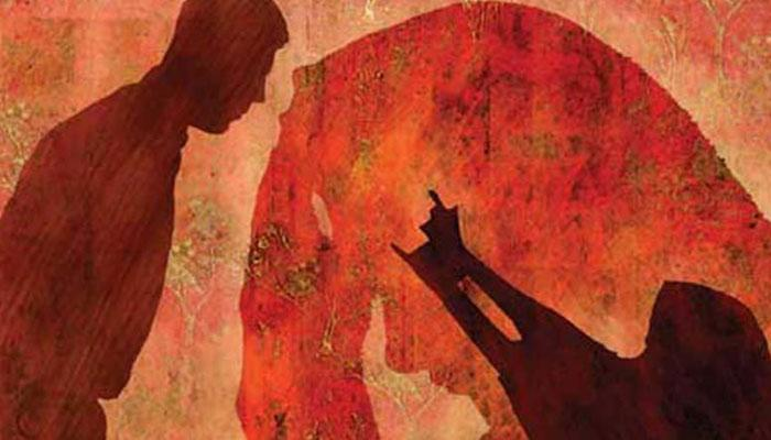চিকিত্সার খরচ চাওয়ায় ক্যানসার আক্রান্ত মাকে পেটানোর অভিযোগ ছেলে-বৌমার বিরুদ্ধে