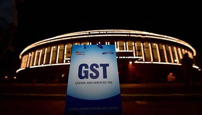 GST-এর প্রথম দিন, কীভাবে নতুন ব্যবস্থাকে গ্রহণ করে নিল গোটা দেশ?