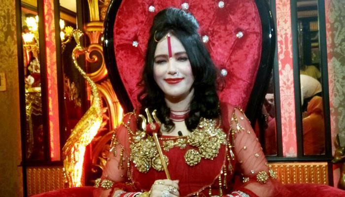'১৫ দিনের মধ্যে দেখে নেব', প্রশ্নের মুখে হুমকি রাধে মা-র
