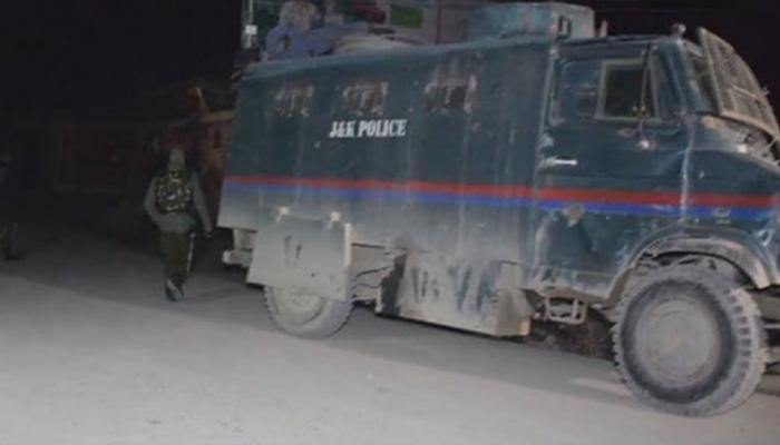 পুলওয়ামায় আধা সামরিক বাহিনীর ট্রেনিং ক্যাম্পে আত্মঘাতী জঙ্গি হামলা, শহিদ জওয়ান