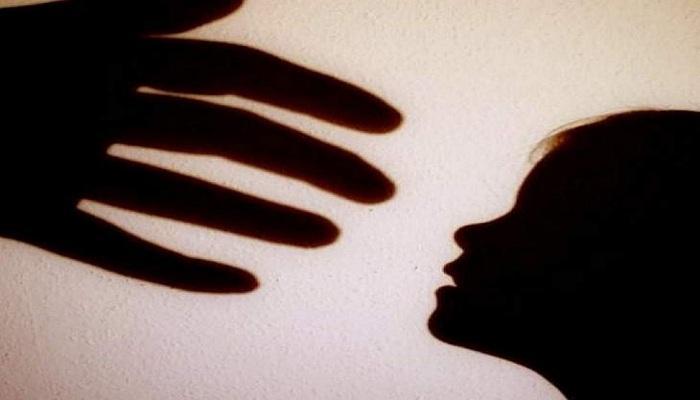 রক্তাক্ত শৈশব! ক্যানিংয়ে আড়াই বছরের শিশুকন্যাকে ধর্ষণ প্রতিবেশী কিশোরের