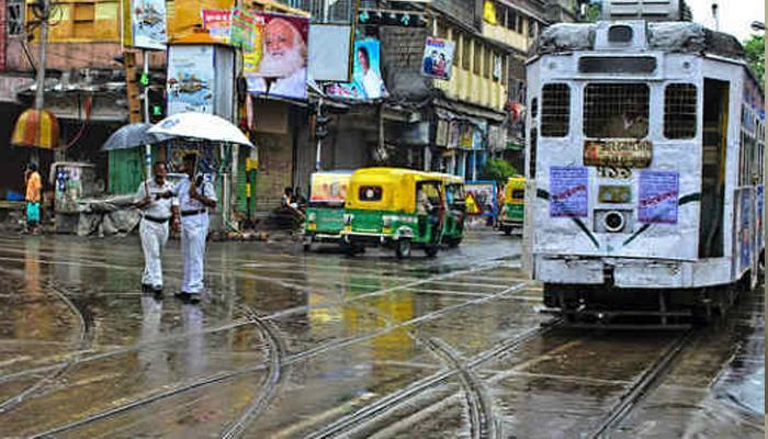 কলকাতার আকাশে তৈরি হয়েছে বজ্রগর্ভ মেঘ, কিছুক্ষণের মধ্যেই নামতে পারে বৃষ্টি