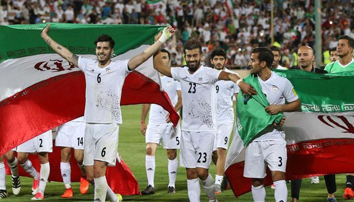 বুট নেই ইরান ফুটবলারদের!