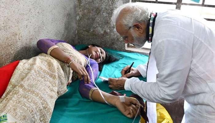 হাসপাতালে 'প্রিয় নেতা'কে কাছে পেয়েই অটোগ্রাফের আবদার আহত সমর্থকের