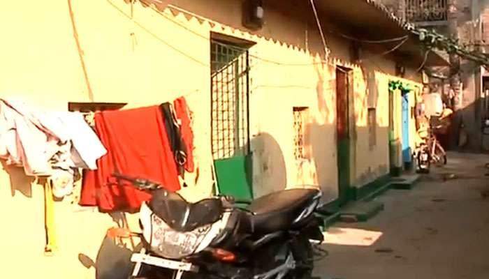 মোবাইল না পাওয়ায় মায়ের গায়ে 'আগুন ধরাল'  মাধ্যমিক পরীক্ষার্থী ছেলে
