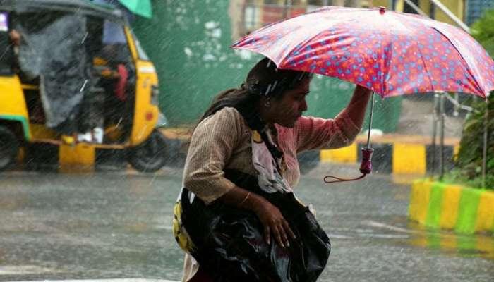 নিম্নচাপের জেরে ভারী বৃষ্টি চলবে কলকাতা সহ দক্ষিণবঙ্গে