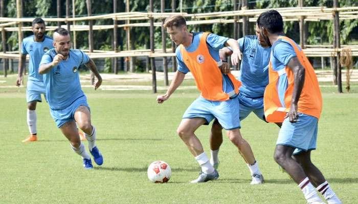 CFL 2019: লজ্জার হার! পিয়ারলেসের কাছে ০-৩ গোলে হারল মোহনবাগান