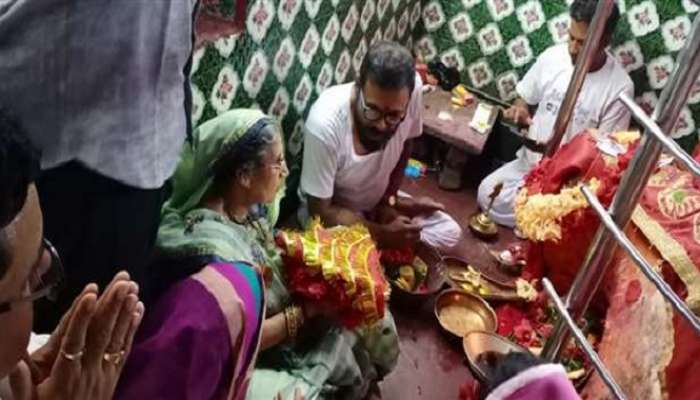 মোদীর জন্মদিনের প্রাক্কালে আসানসোলের কল্যাণেশ্বরী মন্দিরে পুজো দিয়ে গেলেন যশোদাবেন