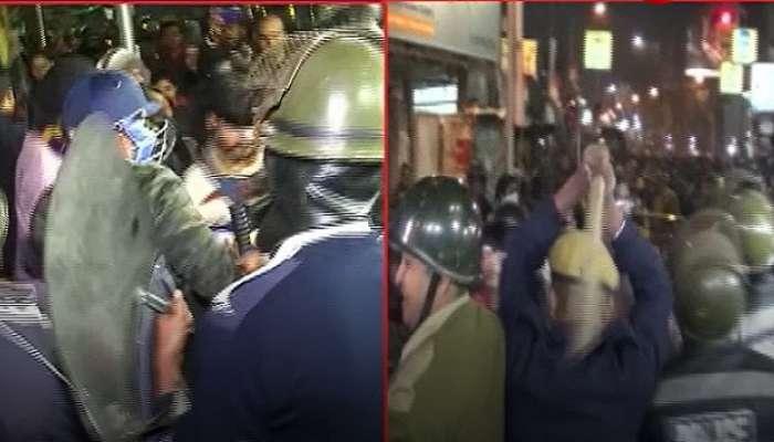 'বিজেপি ভেবে ভুল করে লাঠিচার্জ', JU পড়ুয়াদের কাছে ক্ষমা চাইলেন পুলিসকর্তা!