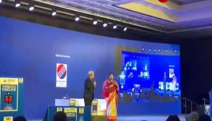 "Smriti Irani says,""Deepika is a congress supporter"""