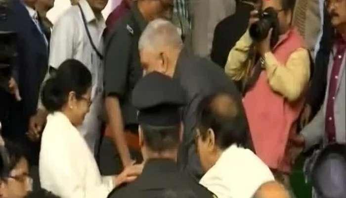 Mamata raises voice against central government, BJP slams back