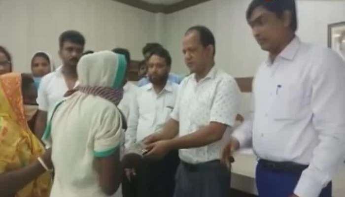 Zakir Hossain Helps the families of the Lightning fatalities in Murshidabad