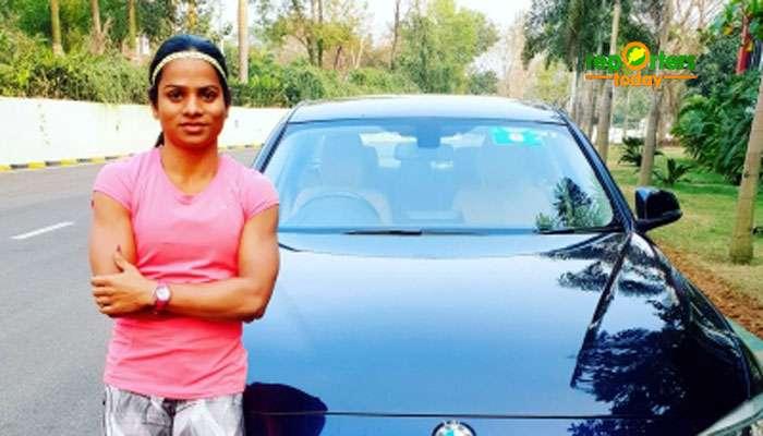 কোনও উপায় নেই! অলিম্পিক প্রস্তুতির জন্য এবার BMW বিক্রি করতে চান দ্যুতি চাঁদ