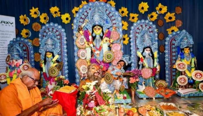 লন্ডনের দুর্গাপুজো এবার হবে কলকাতাতেই,  শুভেচ্ছা ঋতুপর্ণা সেনগুপ্তের