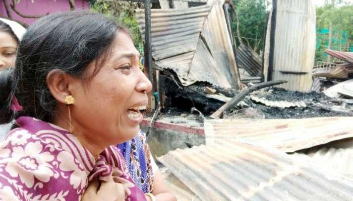 ধর্ম অবমাননার ছুতোয় বাংলাদেশের কুমিল্লায় হিন্দুদের বাড়িঘরে আগুন