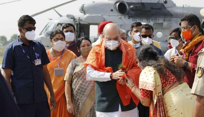 অমিতের 'গোপন কথা' হাটেবাজারে করলেন BJP MP সৌমিত্র খাঁয়ের স্ত্রী সুজাতা