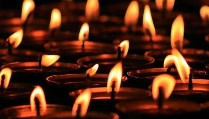 হেমন্তের আকাশপ্রদীপ মিলে গেল চূর্ণীর ঘিয়ের প্রদীপে