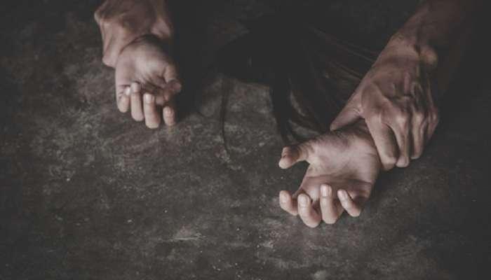 ভয়ঙ্কর! রাতের অন্ধকারে ঘোলায় দিদি-বোনের শ্লীলতাহানি (Molestation), মারধর, মুখে ঘুষি