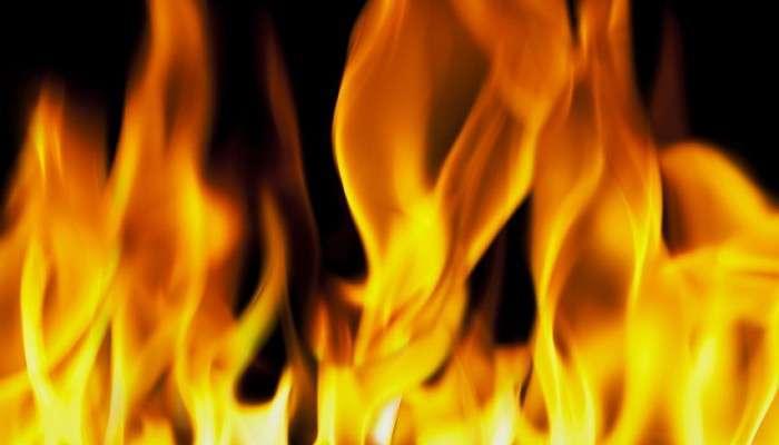 শীতের সকালে ভয়াবহ আগুনে (Fire) ভস্মীভূত পাঁচটি দোকান, মৃত তিন, দুই শিশু গুরুতর আহত