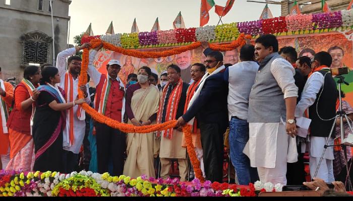 'আন্দোলন করে টাটাকে তাড়িয়েছে', সিঙ্গুরে পা দিলে 'পাপ বোধ' Mukul-র