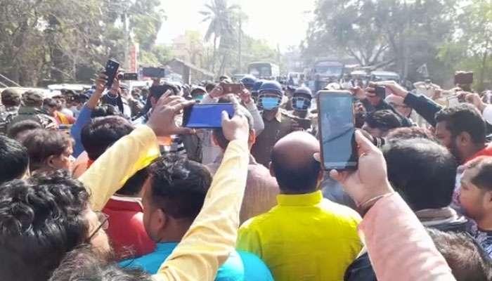 BJP-র পরিবর্তন রথযাত্রা আটকাল পুলিস, বেলডাঙায় প্রবল উত্তেজনা
