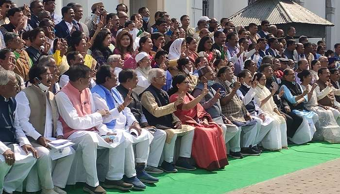 Live: 'নিষ্ঠুর ও নির্দয় সরকার,' বিধানসভায় কেন্দ্রকে তোপ মমতার
