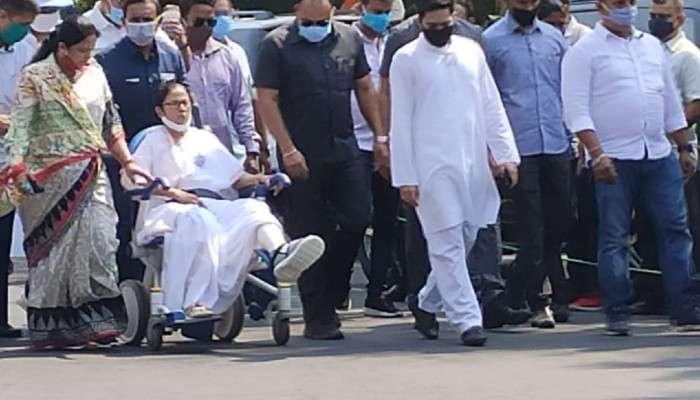 West Bengal Election 2021: পয়লা বৈশাখে হুইলচেয়ারে চেপে ফের পথে Mamata, কলকাতায় রোড-শো